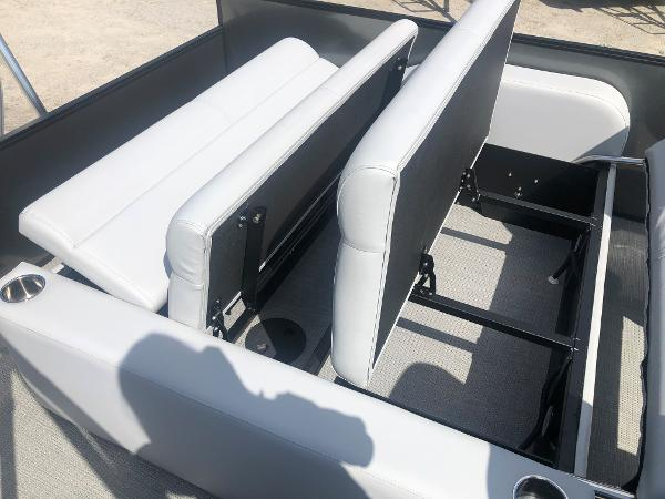 2021 Bentley boat for sale, model of the boat is 223 Swingback (3/4 Tube) & Image # 26 of 27