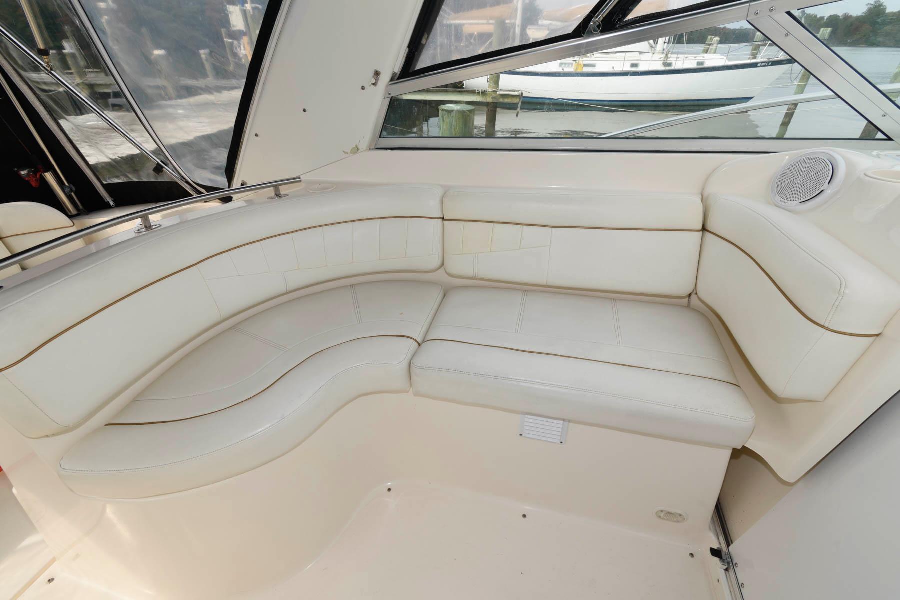 M 5789 WT Knot 10 Yacht Sales