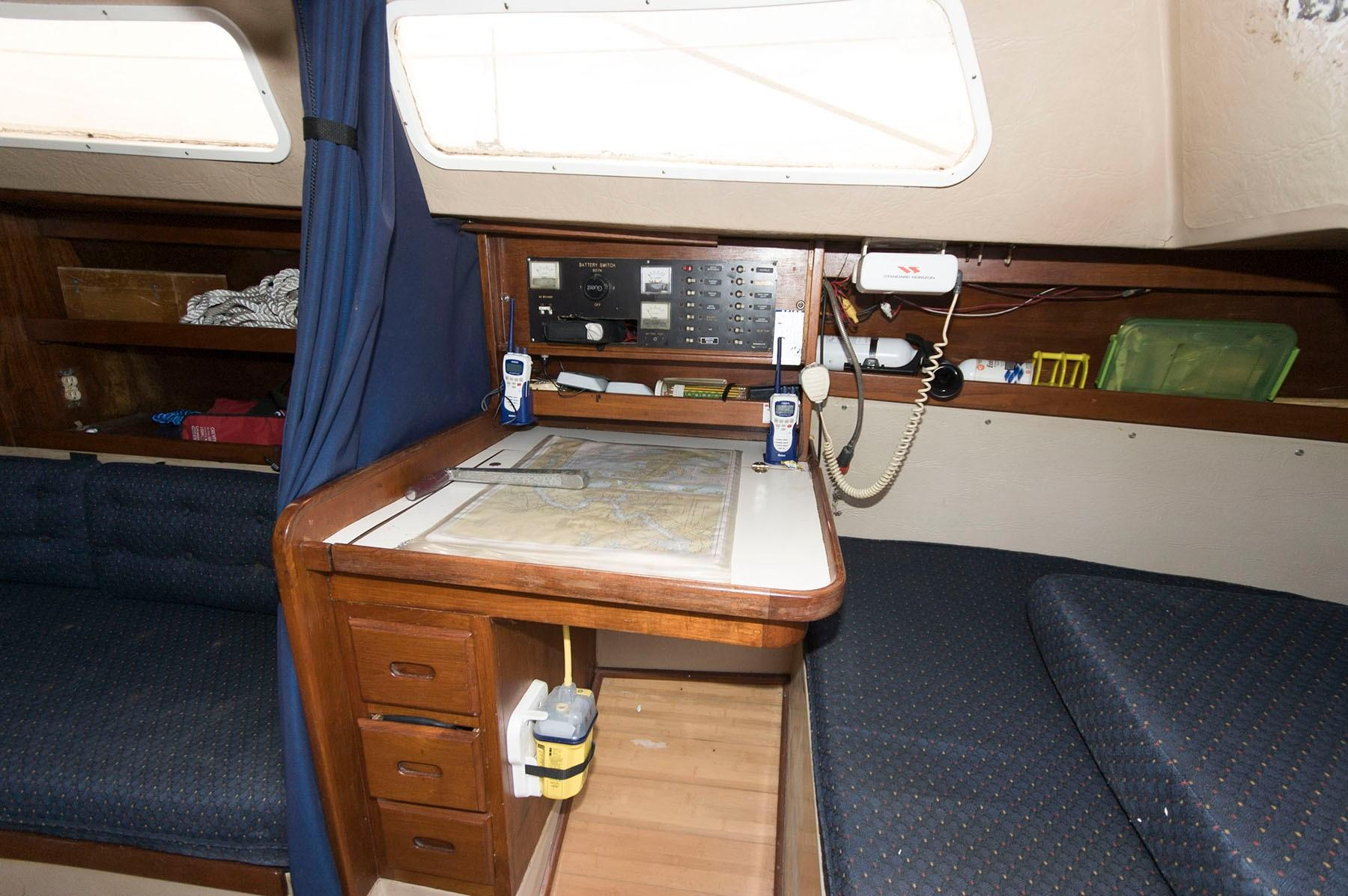 M 4855 SK Knot 10 Yacht Sales