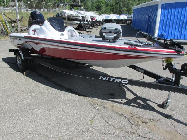 2021 Nitro boat for sale, model of the boat is Z-17 & Image # 2 of 20