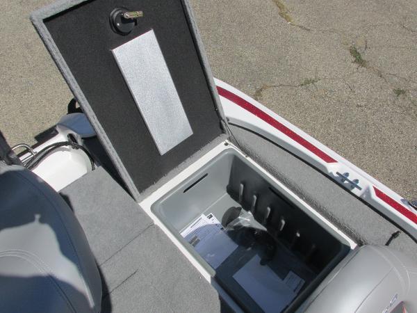 2021 Nitro boat for sale, model of the boat is Z-17 & Image # 10 of 20