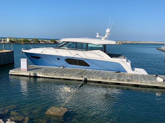 2020 Tiara Yachts 49 Coupe thumbnail