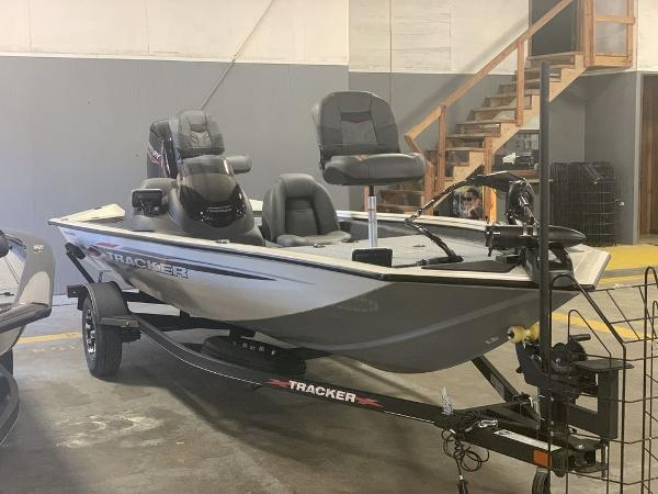 2021 Tracker Boats boat for sale, model of the boat is PT175TXW & Image # 2 of 9