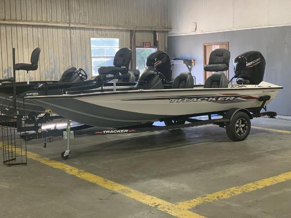 2021 Tracker Boats boat for sale, model of the boat is PT175TXW & Image # 5 of 9