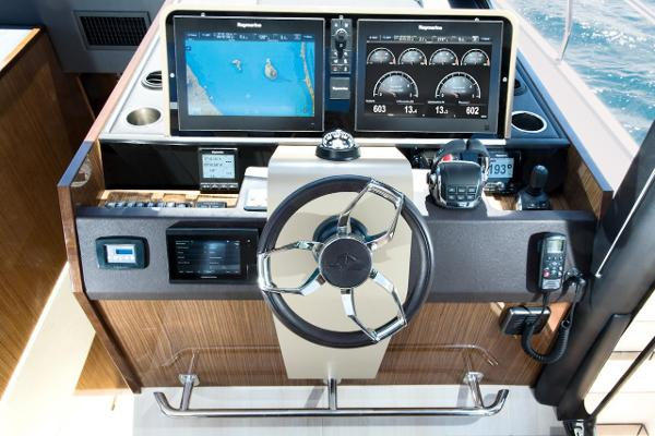 2020 Sealine C530