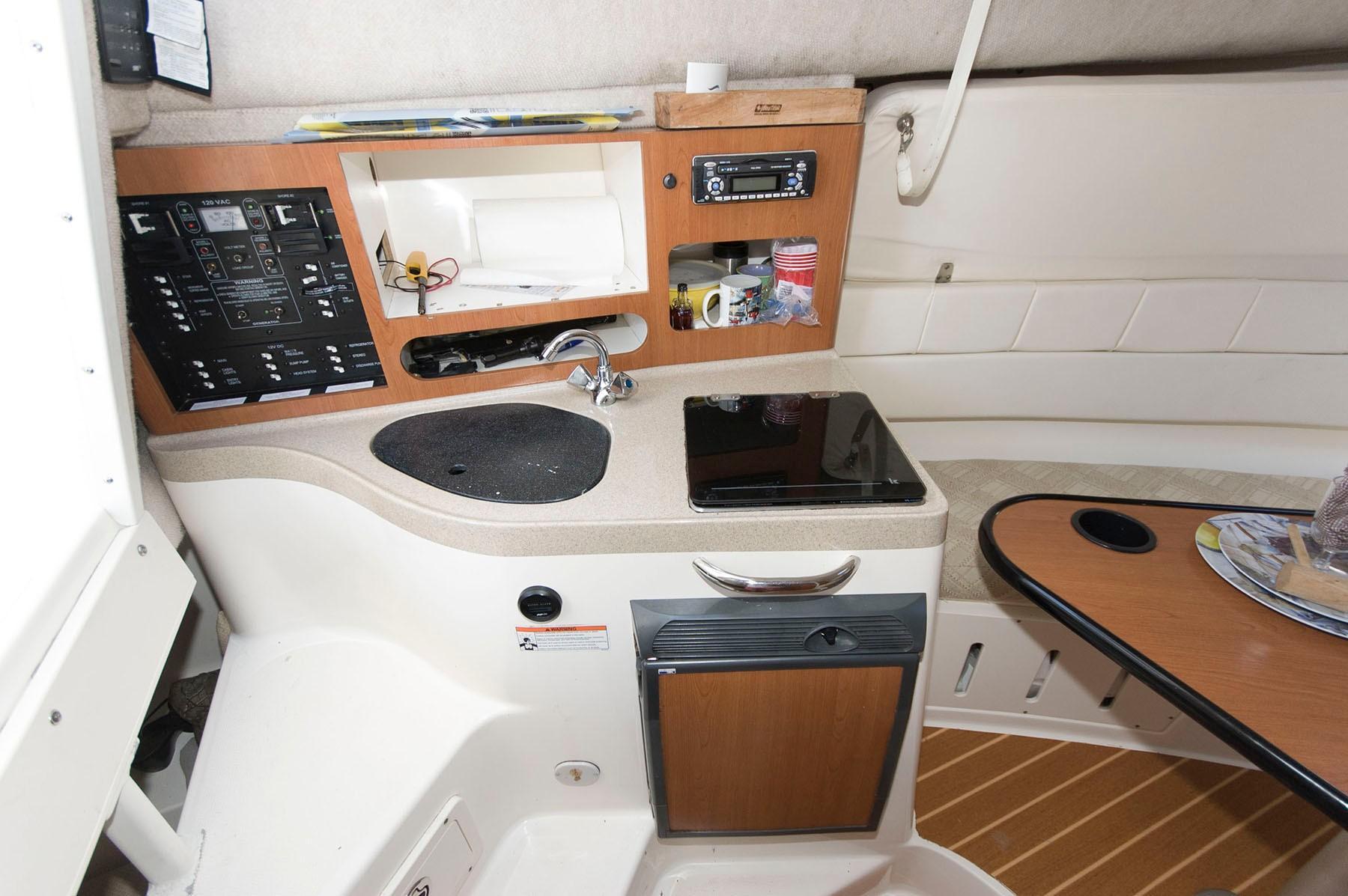 M 4495 KB Knot 10 Yacht Sales
