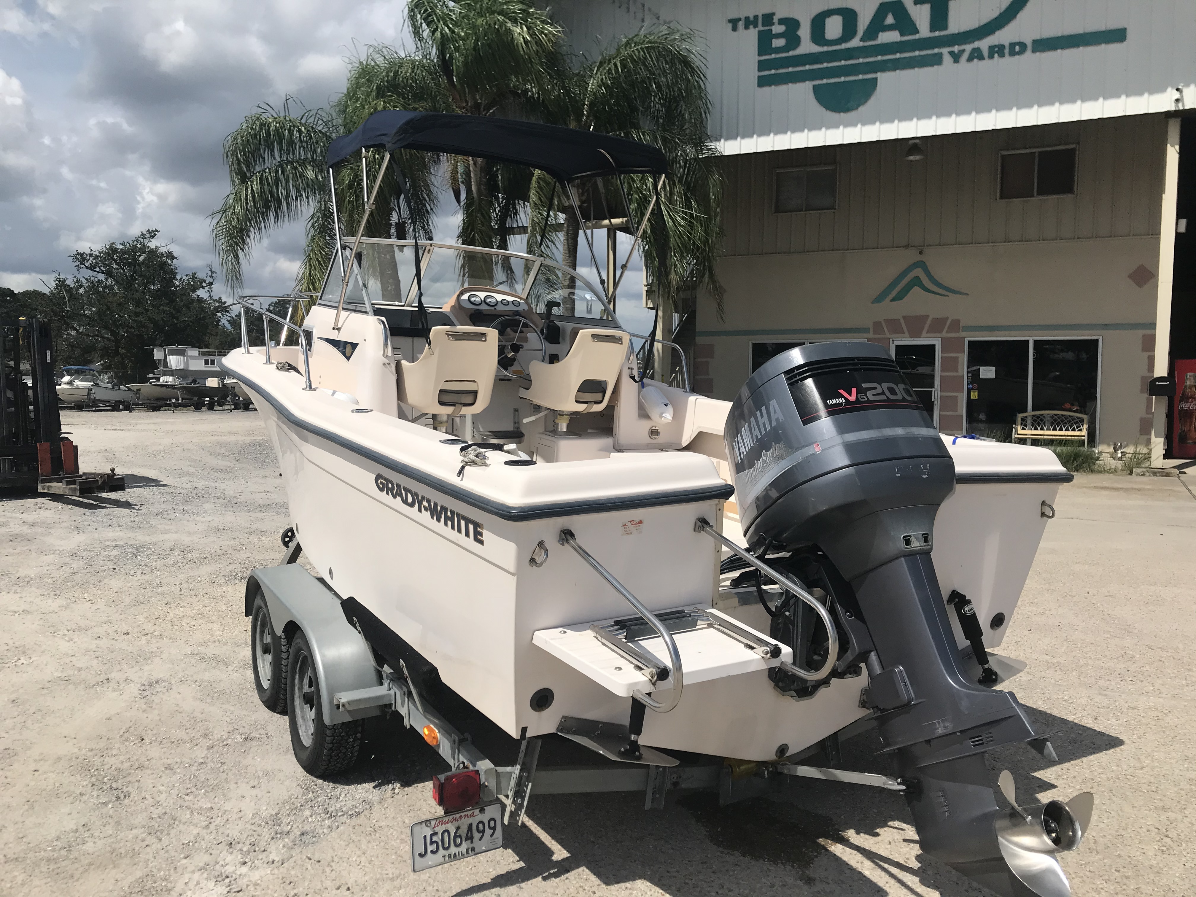 1998 Grady-White boat for sale, model of the boat is Adventure 208 & Image # 3 of 15