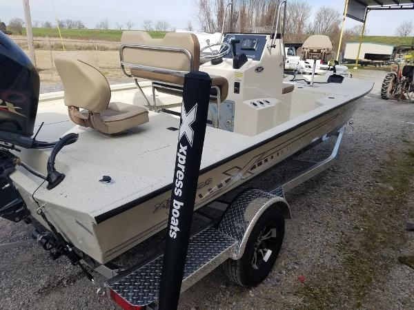 2021 Xpress boat for sale, model of the boat is H20B & Image # 4 of 14