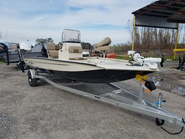 2021 Xpress boat for sale, model of the boat is H20B & Image # 5 of 14