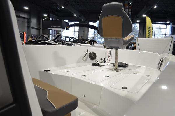 2021 Scarab boat for sale, model of the boat is 195 ID OPEN & Image # 6 of 12