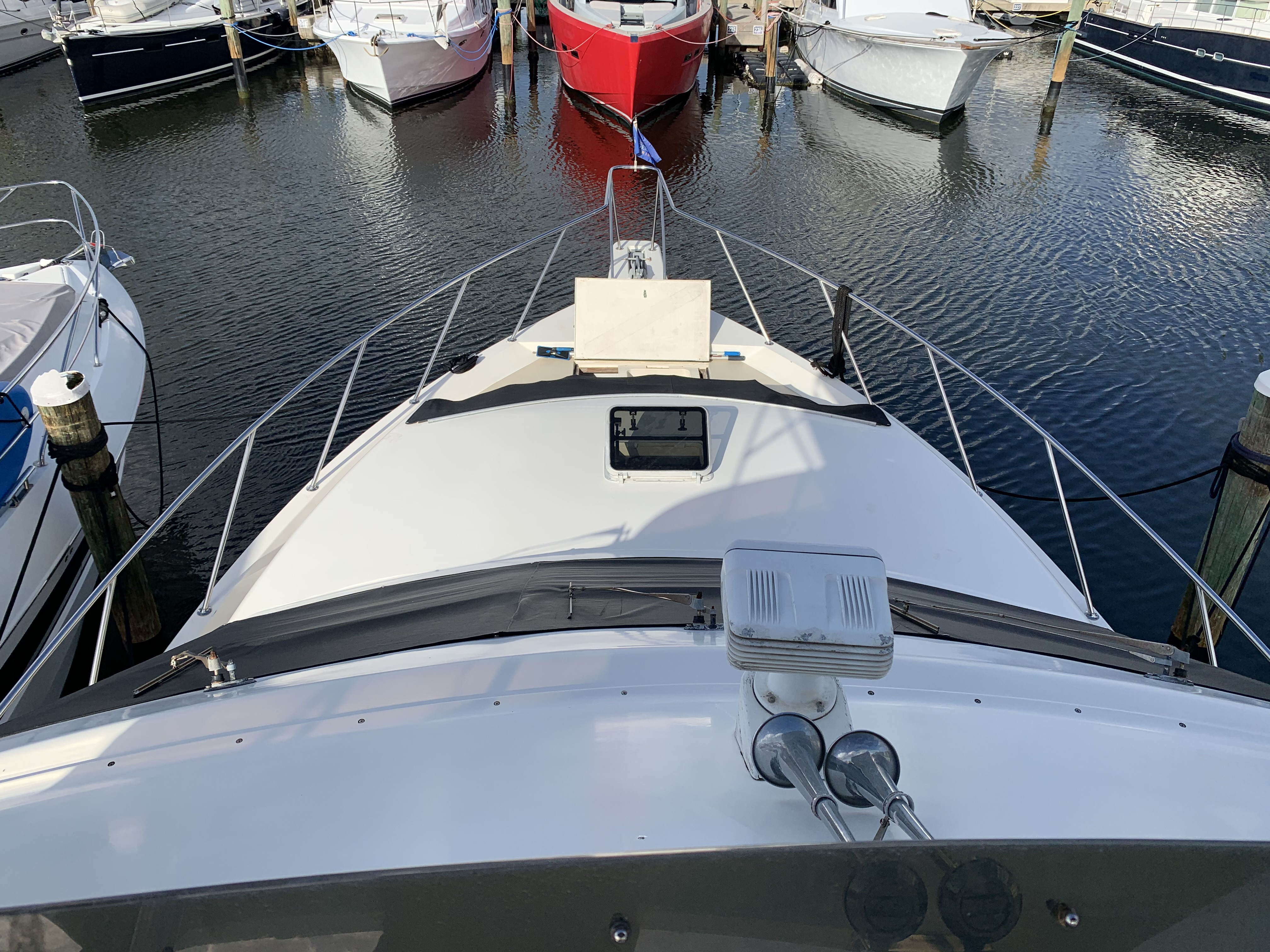 Bow view from flyfbridge