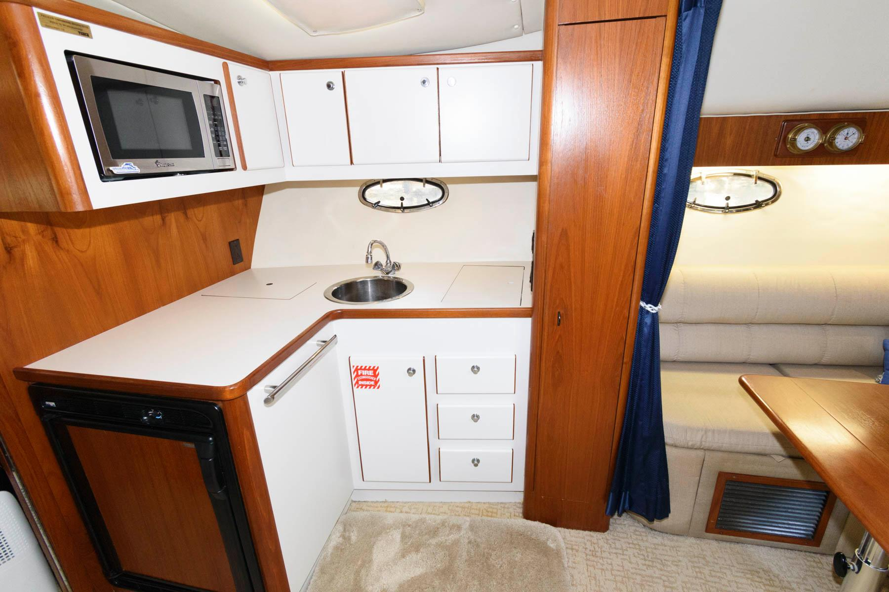 F 6340 MS Knot 10 Yacht Sales