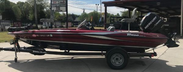 2009 Triton boat for sale, model of the boat is 18 Explorer & Image # 1 of 12