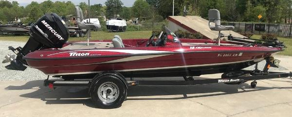 2009 Triton boat for sale, model of the boat is 18 Explorer & Image # 6 of 12