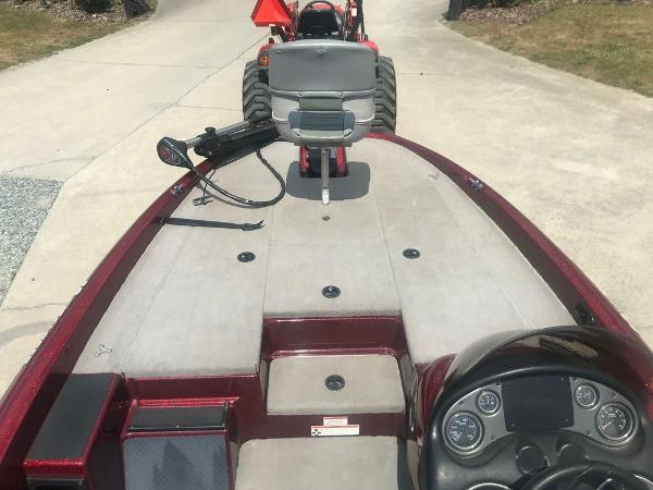 2009 Triton boat for sale, model of the boat is 18 Explorer & Image # 8 of 12