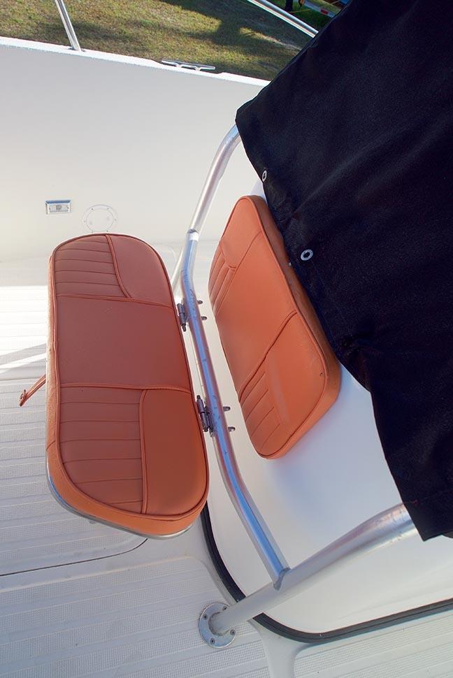 Sea Sport 2540 Center Console - Seat Forward of Console