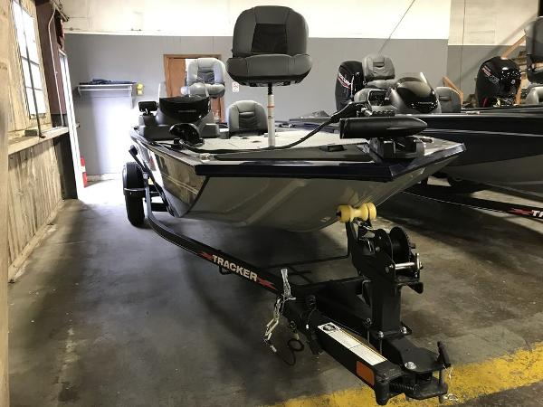 2021 Tracker Boats boat for sale, model of the boat is PRO170 & Image # 3 of 7