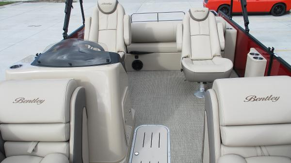 2021 Bentley boat for sale, model of the boat is Elite 223 Swingback (Full Tube) & Image # 10 of 57