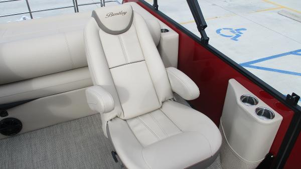 2021 Bentley boat for sale, model of the boat is Elite 223 Swingback (Full Tube) & Image # 11 of 57