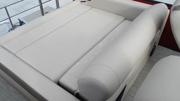 2021 Bentley boat for sale, model of the boat is Elite 223 Swingback (Full Tube) & Image # 13 of 57