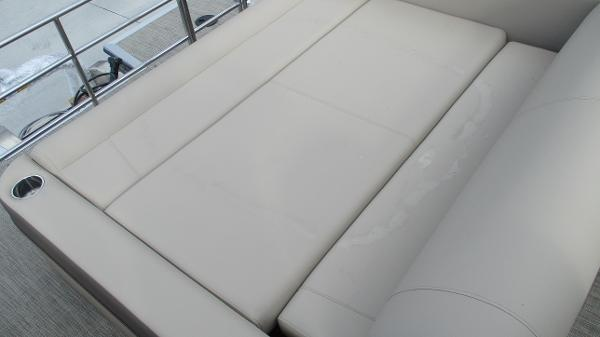 2021 Bentley boat for sale, model of the boat is Elite 223 Swingback (Full Tube) & Image # 16 of 57
