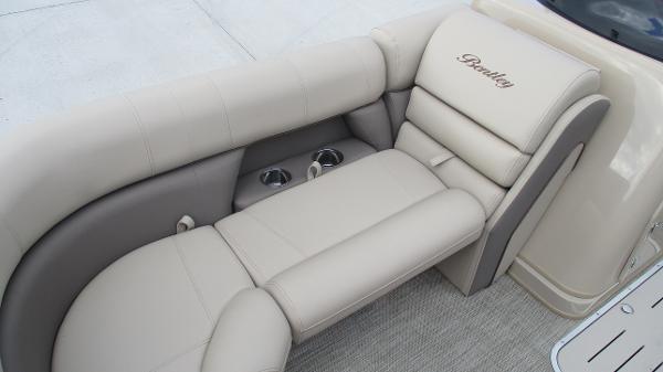 2021 Bentley boat for sale, model of the boat is Elite 223 Swingback (Full Tube) & Image # 38 of 57