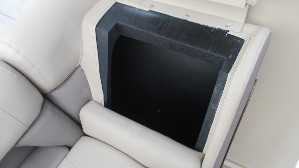 2021 Bentley boat for sale, model of the boat is Elite 223 Swingback (Full Tube) & Image # 40 of 57