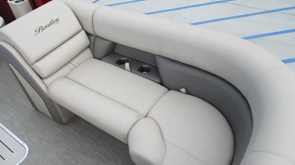 2021 Bentley boat for sale, model of the boat is Elite 223 Swingback (Full Tube) & Image # 45 of 57