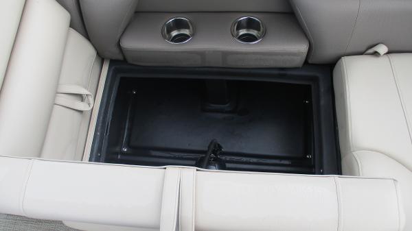 2021 Bentley boat for sale, model of the boat is Elite 223 Swingback (Full Tube) & Image # 49 of 57