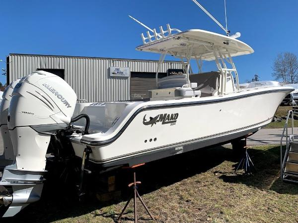 2019 Mako boat for sale, model of the boat is 334 CC Sportfish Edition & Image # 3 of 35