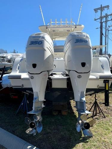 2019 Mako boat for sale, model of the boat is 334 CC Sportfish Edition & Image # 4 of 35