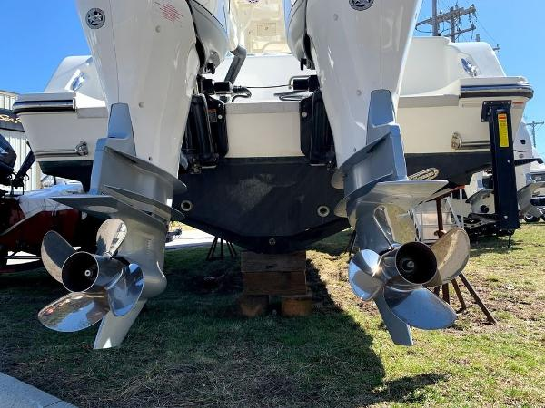 2019 Mako boat for sale, model of the boat is 334 CC Sportfish Edition & Image # 5 of 35