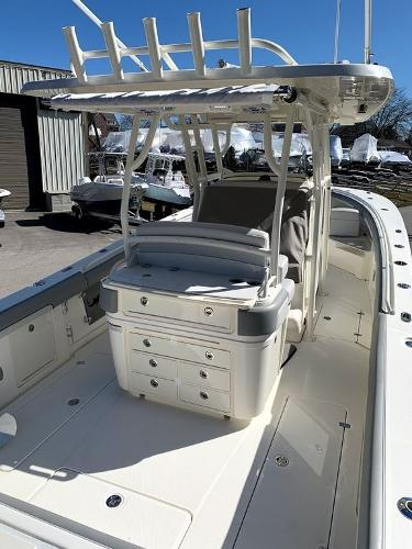 2019 Mako boat for sale, model of the boat is 334 CC Sportfish Edition & Image # 7 of 35