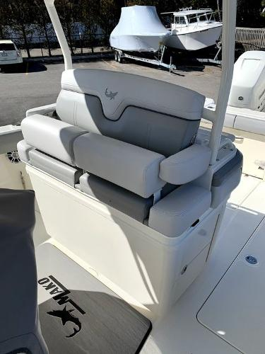 2019 Mako boat for sale, model of the boat is 334 CC Sportfish Edition & Image # 8 of 35