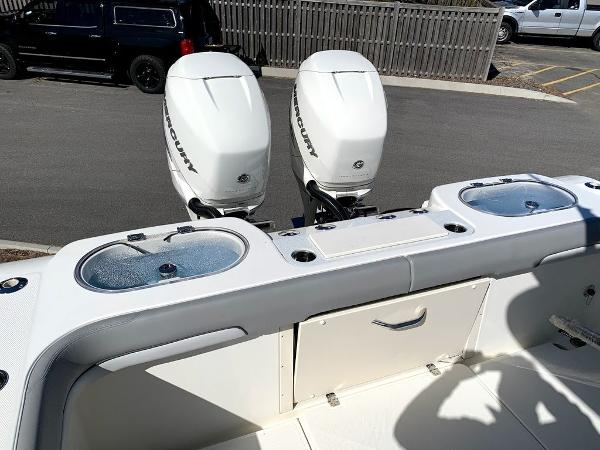 2019 Mako boat for sale, model of the boat is 334 CC Sportfish Edition & Image # 9 of 35