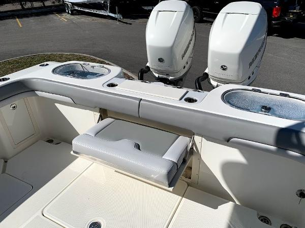 2019 Mako boat for sale, model of the boat is 334 CC Sportfish Edition & Image # 10 of 35
