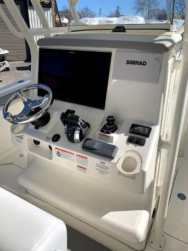 2019 Mako boat for sale, model of the boat is 334 CC Sportfish Edition & Image # 12 of 35
