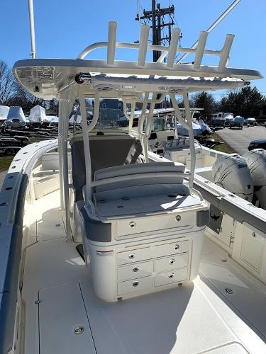 2019 Mako boat for sale, model of the boat is 334 CC Sportfish Edition & Image # 20 of 35