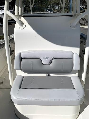 2019 Mako boat for sale, model of the boat is 334 CC Sportfish Edition & Image # 28 of 35