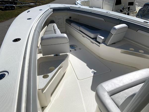 2019 Mako boat for sale, model of the boat is 334 CC Sportfish Edition & Image # 35 of 35