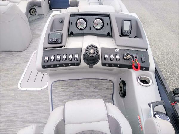 2020 Bennington boat for sale, model of the boat is 23 RSB & Image # 15 of 27