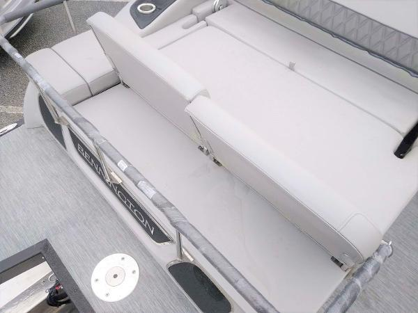 2020 Bennington boat for sale, model of the boat is 23 RSB & Image # 23 of 27