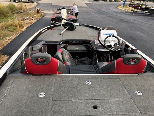 2017 Ranger Boats boat for sale, model of the boat is Z520C & Image # 12 of 20