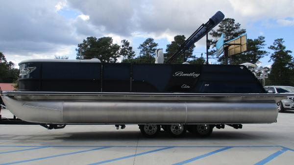 2021 Bentley boat for sale, model of the boat is Elite 223 Swingback (Full Tube) & Image # 4 of 61