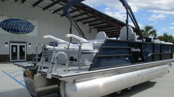 2021 Bentley boat for sale, model of the boat is Elite 223 Swingback (Full Tube) & Image # 5 of 61