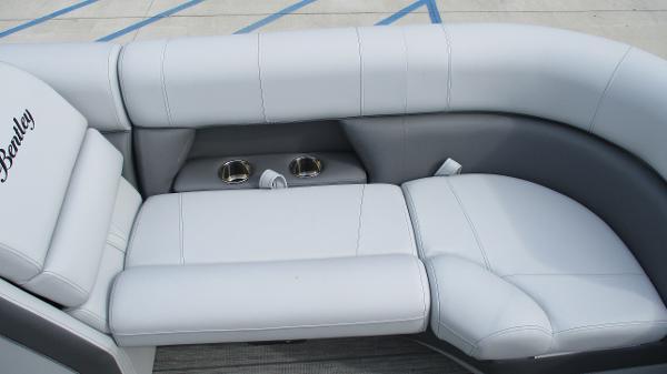 2021 Bentley boat for sale, model of the boat is Elite 223 Swingback (Full Tube) & Image # 12 of 61