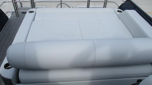 2021 Bentley boat for sale, model of the boat is Elite 223 Swingback (Full Tube) & Image # 15 of 61