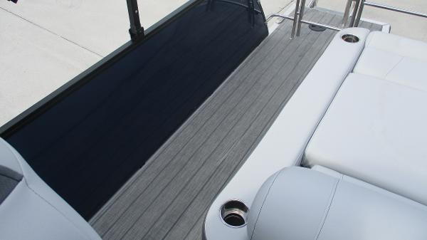 2021 Bentley boat for sale, model of the boat is Elite 223 Swingback (Full Tube) & Image # 16 of 61