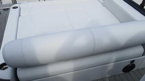 2021 Bentley boat for sale, model of the boat is Elite 223 Swingback (Full Tube) & Image # 17 of 61