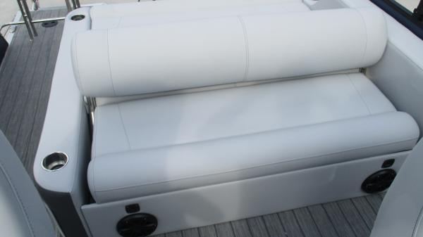 2021 Bentley boat for sale, model of the boat is Elite 223 Swingback (Full Tube) & Image # 18 of 61